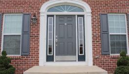 Как се монтира блиндирана входна врата?