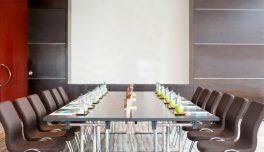 Как да наемете конферентна зала в София?